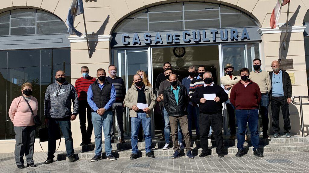 En San Cristóbal el Senador Michlig y el Intendente Rigo encabezaron un acto de entrega de aportes